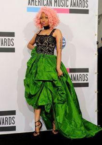 Nicki-Minaj-Oscar-De-La-Renta-Spring-2012-RTW-Black-and-Green-Ensemble